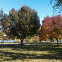 รูปภาพถ่ายที่ City Park โดย Shannon L. เมื่อ 10/14/2012