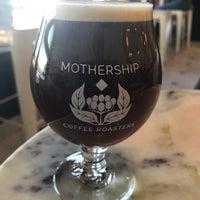 Снимок сделан в Mothership Coffee Roasters пользователем Tom F. 10/15/2017