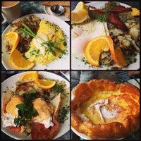 Foto scattata a Plums Cafe and Catering da Melissa S. il 1/1/2013
