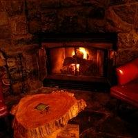 Das Foto wurde bei Hurley's Irish Pub von Mark M. am 10/1/2012 aufgenommen