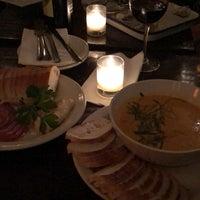 Foto scattata a Pinkerton Wine Bar da Madeline H. il 11/9/2018