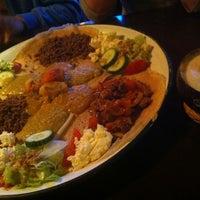รูปภาพถ่ายที่ Abyssinia Afrikaans Eetcafe โดย Miguel F. เมื่อ 4/6/2013