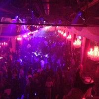 Foto tirada no(a) Velvet Room Nightclub por Jason M. em 10/1/2012