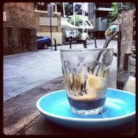 Снимок сделан в Cabrito Coffee Traders пользователем Inny S. 1/2/2013