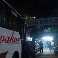 Das Foto wurde bei National Dhaba von Dinesh R. am 2/28/2014 aufgenommen
