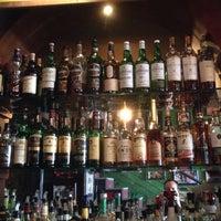 Foto scattata a Rock & Reilly's Irish Pub da Jamez il 10/26/2014