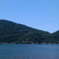 Foto scattata a Kız Kumu Plajı da Hilal Y. il 6/11/2013