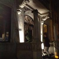 Foto scattata a Crown da Alessandra B. il 11/17/2012