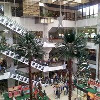 Foto tomada en Centro Ciudad Comercial Tamanaco (CCCT) por Jonathan B. el 12/8/2012