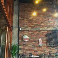 Photo prise au Sobremesa Coffee par Aykut B. le9/11/2017