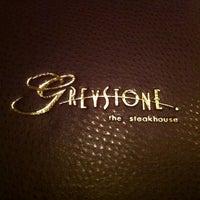 Foto tomada en Greystone Steakhouse por Julian G. el 2/14/2013