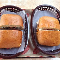 7/27/2013에 Munteanu I.님이 Toscana Sandwich and Salad Bar에서 찍은 사진