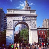 6/29/2013 tarihinde Desirée D.ziyaretçi tarafından Washington Square Park'de çekilen fotoğraf