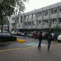 Photo prise au Escuela Nacional De Música par Alexa M. le3/15/2013