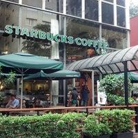Foto tirada no(a) Starbucks por Rafael C. em 1/23/2013