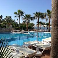 Foto scattata a Galeri Resort Hotel da Anya il 5/1/2013