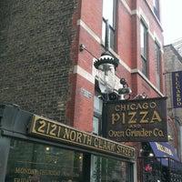 Photo prise au Chicago Pizza and Oven Grinder Co. par Christine T. le5/27/2013