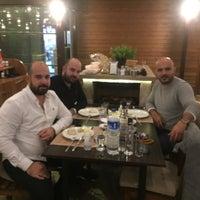 11/13/2018 tarihinde Berk A.ziyaretçi tarafından Yiğit Kasap Et & Mangal'de çekilen fotoğraf