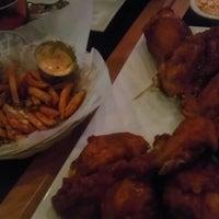 1/26/2013 tarihinde Pedro R.ziyaretçi tarafından BonChon Chicken'de çekilen fotoğraf