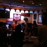 Foto scattata a Jordan's Bistro & Pub da Christian S. il 9/29/2012