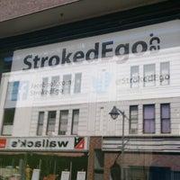 รูปภาพถ่ายที่ Stroked Ego โดย Darren W. เมื่อ 5/17/2013