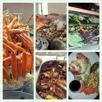 Das Foto wurde bei Village Seafood Buffet von Pepsi am 11/30/2012 aufgenommen