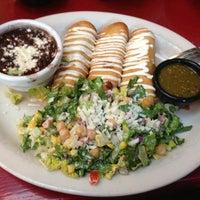 Foto diambil di Paco's Tacos & Tequila oleh Mohit P. pada 6/9/2013