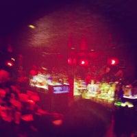 Foto tirada no(a) Circle Bar por Tom C. em 6/2/2013