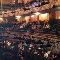 Foto diambil di Longacre Theatre oleh Donna K. pada 10/31/2012