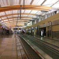Foto tirada no(a) Raleigh-Durham International Airport (RDU) por Jake H. em 4/6/2013
