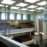 รูปภาพถ่ายที่ Frank Lloyd Wright's Unity Temple โดย Wagner T. เมื่อ 9/27/2013
