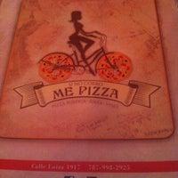 Foto diambil di Si No Corro Me Pizza oleh Auri R. pada 11/17/2013