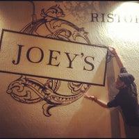 12/8/2012에 Julian V.님이 Joey's에서 찍은 사진