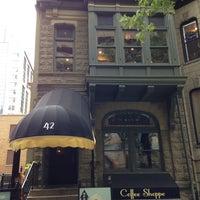 Das Foto wurde bei Sunny Side Up & Coffee Shoppe von Greg G. am 9/20/2013 aufgenommen