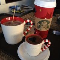 Foto scattata a Starbucks da Mehmet G. il 11/12/2012