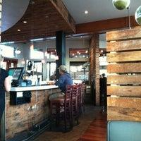 Foto scattata a Pizza Nova da Billy J. il 10/12/2012