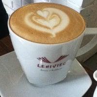 รูปภาพถ่ายที่ Leniviec โดย Piotr O. เมื่อ 10/27/2012