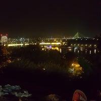รูปภาพถ่ายที่ Beton hala โดย Zahra B. เมื่อ 7/15/2018