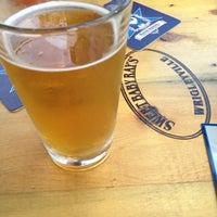 Foto tirada no(a) Sweet Baby Ray's Smokehouse Bourbon & Beer por Amie C. em 9/25/2013
