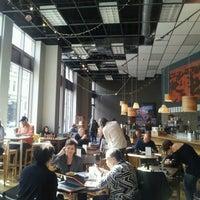 Foto tirada no(a) Awaken Cafe & Roasting por EastBayLoop K. em 2/27/2013