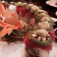 Foto diambil di Red Thai And Sushi oleh Tonya S. pada 11/26/2013