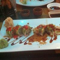 9/22/2013 tarihinde Nancy C.ziyaretçi tarafından Planet Sushi'de çekilen fotoğraf
