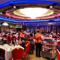 Photo prise au Jing Fong Restaurant 金豐大酒樓 par Nikki N. le10/20/2012