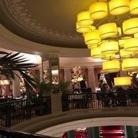 รูปภาพถ่ายที่ Кафе «Чайковский» โดย Елена М. เมื่อ 11/10/2018
