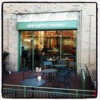 11/19/2012 tarihinde Chris A.ziyaretçi tarafından Peregrine Espresso'de çekilen fotoğraf
