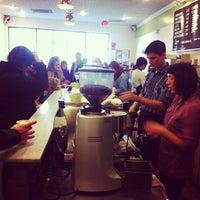 11/18/2012 tarihinde Chris A.ziyaretçi tarafından Peregrine Espresso'de çekilen fotoğraf