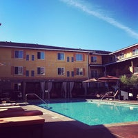 Foto scattata a Meritage Resort and Spa da Chris A. il 10/19/2012