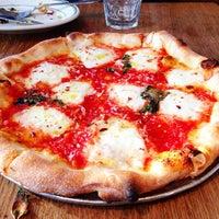 Foto scattata a Pizzeria Delfina da Kelly S. il 2/13/2013