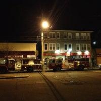 Das Foto wurde bei Fire Engine Pizza Company von Ron B. am 3/15/2013 aufgenommen