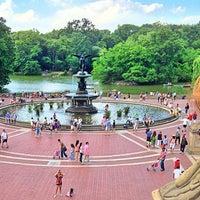 Foto scattata a Bethesda Fountain da mido il 7/4/2013